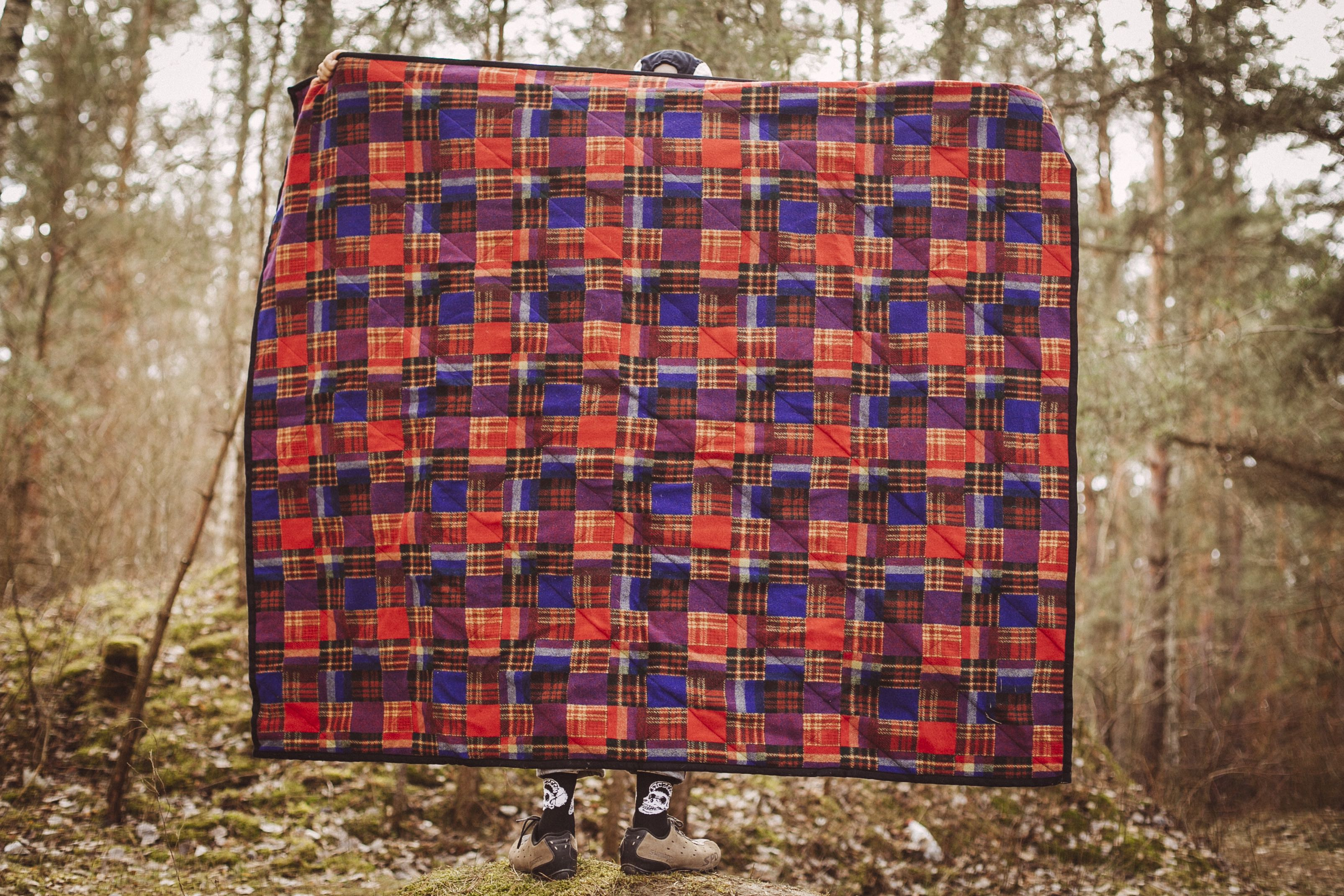 Cheesy Supply wool camping blanket 2